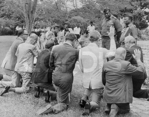 Kneeling-Before-Idi-Amin-Kampala-Uganda-October-2-1975.jpg